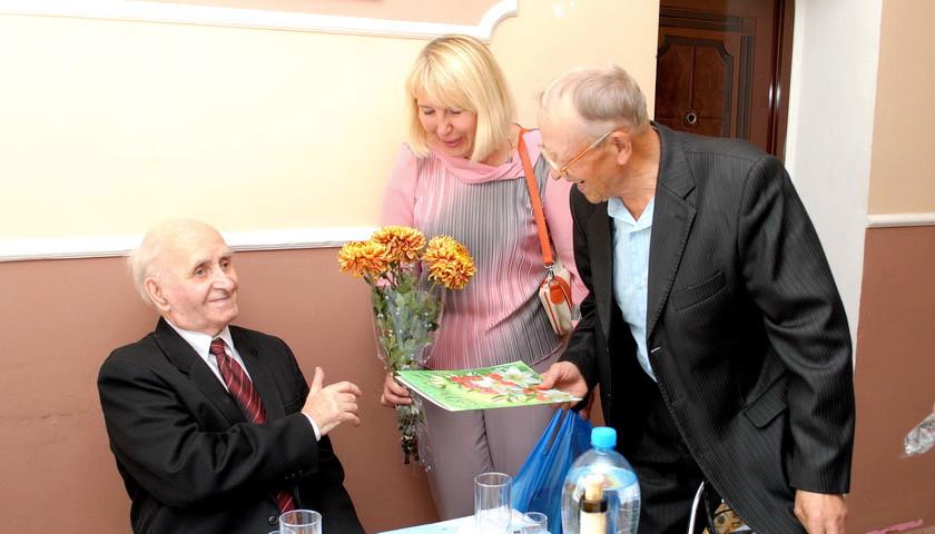 Відомий ямпільський педагог і краєзнавець відзначає 85-річний ювілей