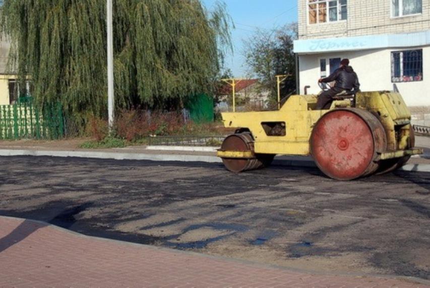 За останні шість років в Ямполі капітально відремонтували лише три дороги