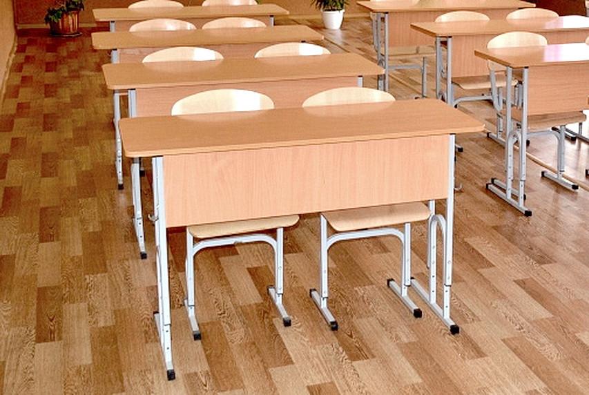 Ямпільські школи поповняться новими меблями