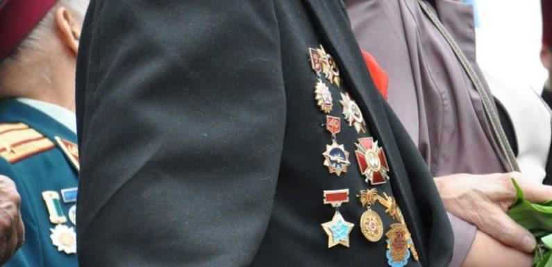 Ямпільські ветерани отримали щорічну виплату до Дня перемоги