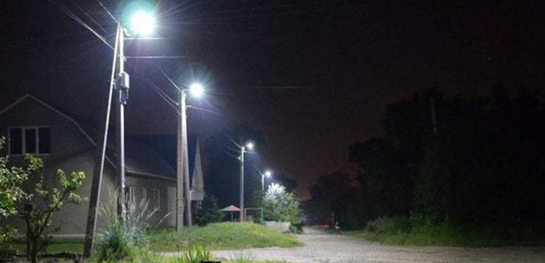 В Ямполі замінили 50 ламп у вуличних ліхтарях