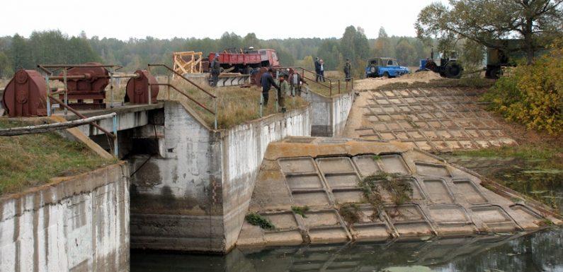 В Ямполі розпочався ремонт аварійного шлюзу на Івотці
