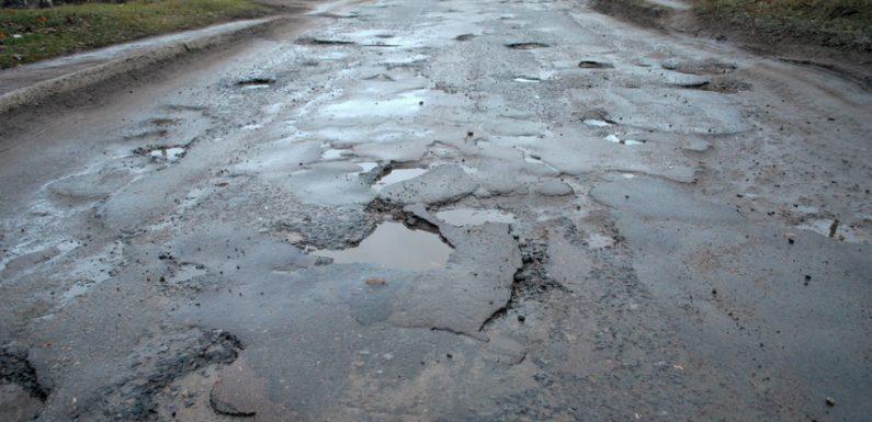 Водії скаржаться на ділянку дороги Ямпіль-Свеса, яка проходить районним центром