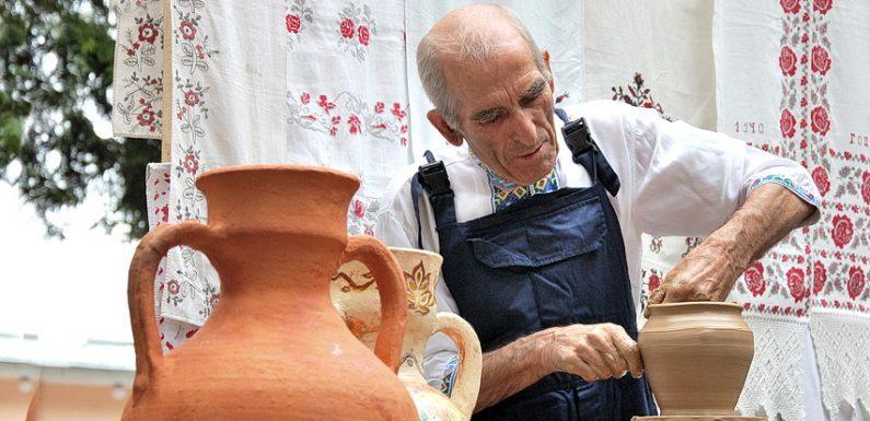 Найвідоміший гончар Сумщини відзначає 90-річний ювілей