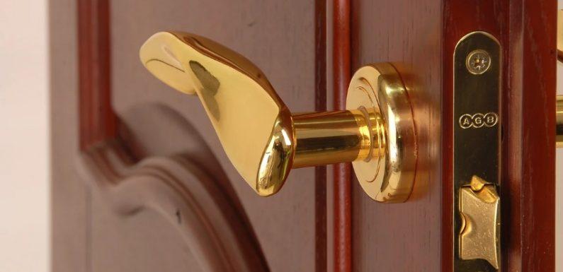 Где купить качественную дверную фурнитуру?