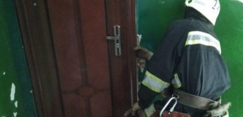 В Свесі рятувальники допомогли літньому чоловіку, який не міг вибратись з квартири