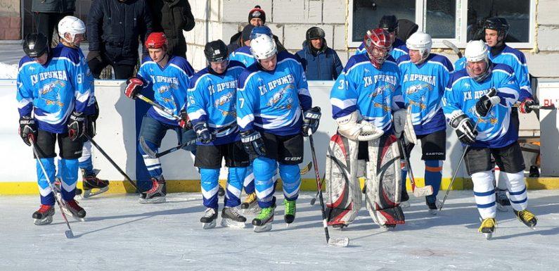 ХК «Дружба» поступався білопільському «Лідеру» та вибув з плей-оф чемпіонату області