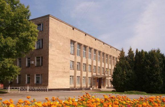 Ямпільська селищна рада з понеділка переїжджає у колишнє приміщення райдержадміністрації