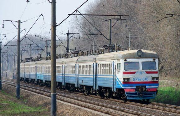 Через крадіжку електрокабеля електропотяг Зернове-Київ запізнився на 2 години