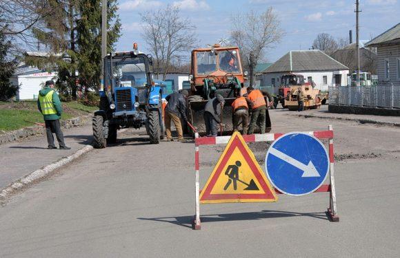 В Ямполі провели ямковий ремонт дороги до автовокзалу