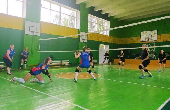 Волейбольний турнір в Дружбі виграли команди Конотопу та Шостки
