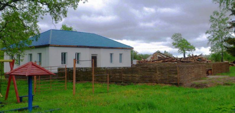 Спадщина: як зберігаються сільські клуби та школи