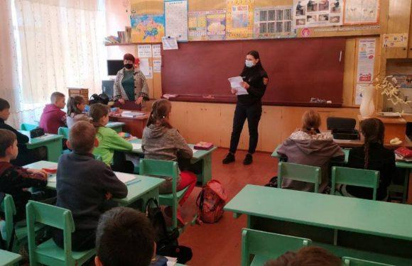 На Ямпільщині рятувальники проводять профілактичну роботу зі школярами
