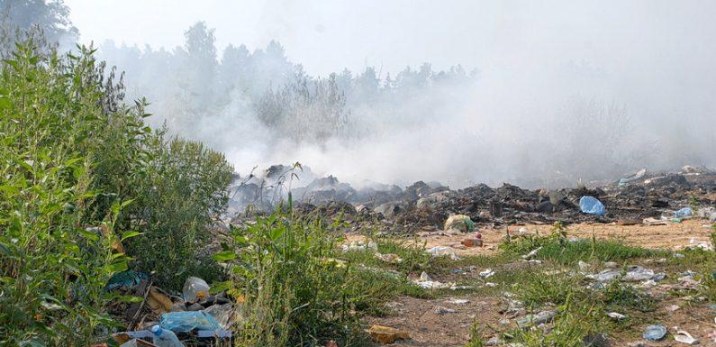 В Ямполі горить селищне сміттєзвалище