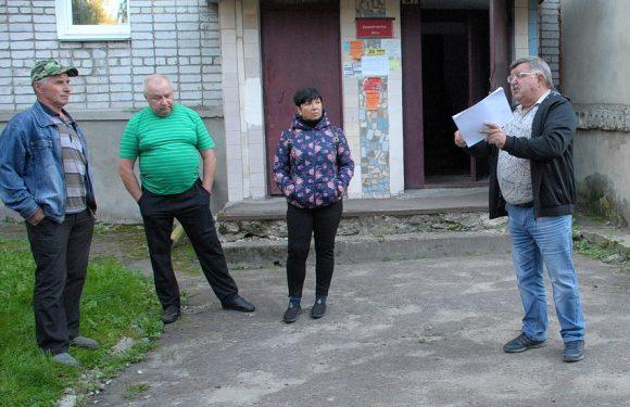 В багатоквартирних будинках Ямполя проходять зустрічі з представниками ПП «Агротех»