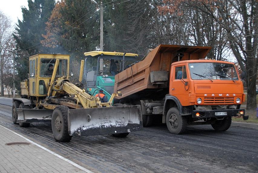 В Ямполі капітально ремонтують дорогу (фоторепортаж)