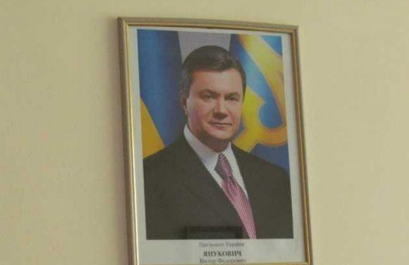 Колишнього директора Свеського лісгоспу виправдали у справі про незаконну закупівлю портретів Януковича