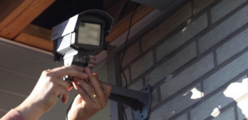 На Ямпільщині п'яний чоловік умисно розбив камери відеоспостереження продуктового магазину