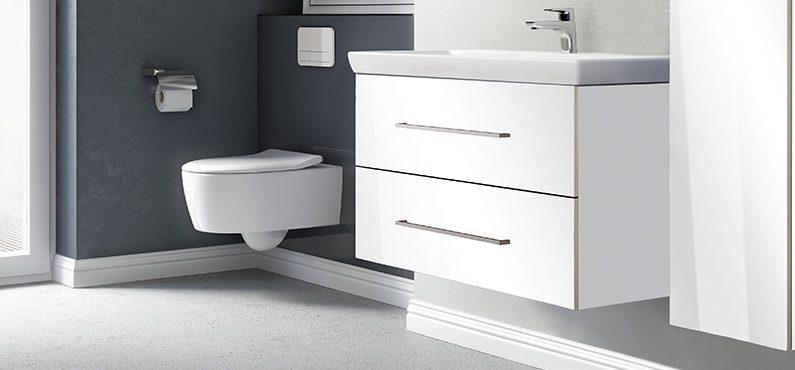 На мебели из какого материала лучше остановится для ванной?