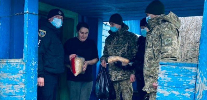 В Свеській ОТГ поліцейські разом з прикордонниками та службою у справах дітей  організували соціальну допомогу багатодітній родині