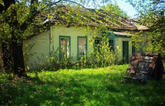 Останній дзвоник з минулого: покинута школа в Антонівці