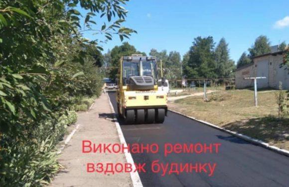 В Свесі завершили ремонт двох під'їзних доріг до багатоквартирних будинків