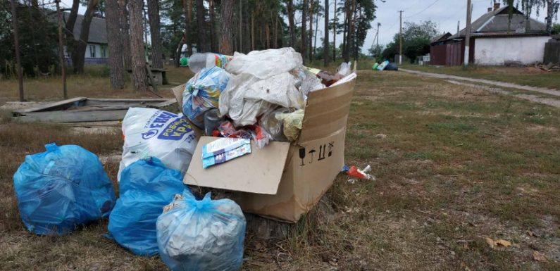 В Ямполі продовжуються проблеми з вивозом сміття: без послуги залишились мешканці віддалених вулиць