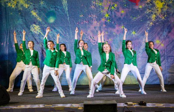 «Гарні діти» з Ямполя стали третіми на Всеукраїнському фестивалі КВН