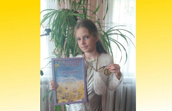 Юна ямпільчанка зайняла І місце на Всеукраїнському фестивалі мистецтв