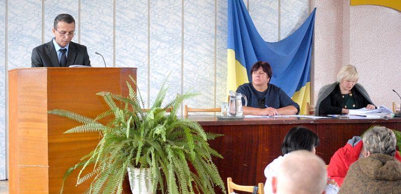 В Ямполі відбулась тринадцята сесія селищної ради (фоторепортаж)